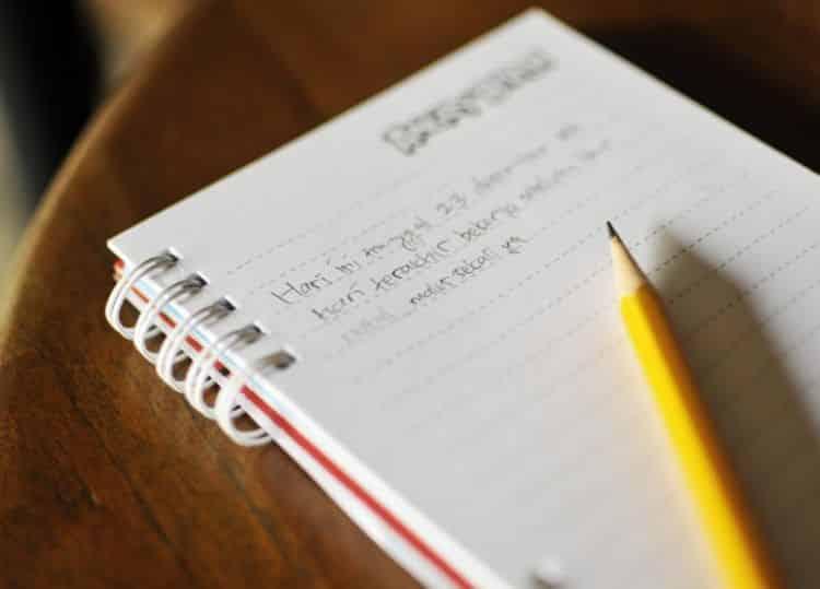 9 Contoh Teks Ulasan Dan Strukturnya Buku Cerpen Novel Puisi Berita
