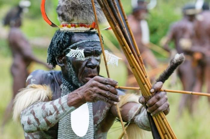 Senjata Tradisional Papua Barat