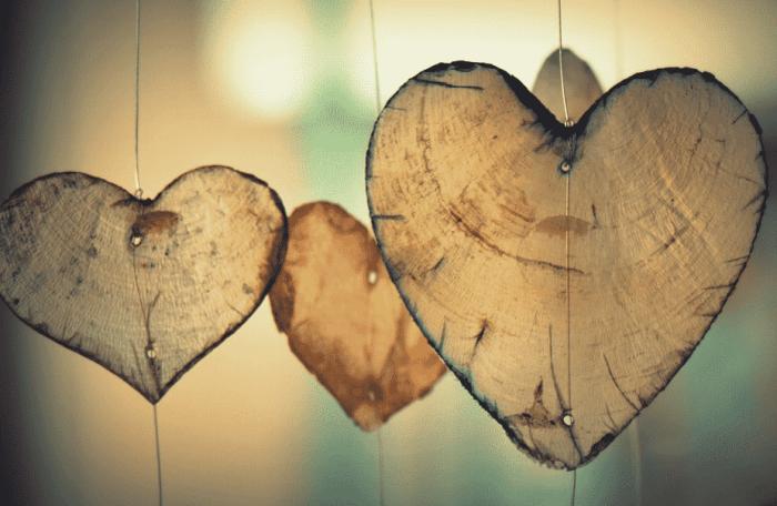Puisi Cinta Romantis Pendek
