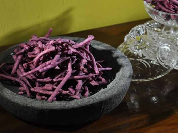Resep Kue Bawang Buah Naga