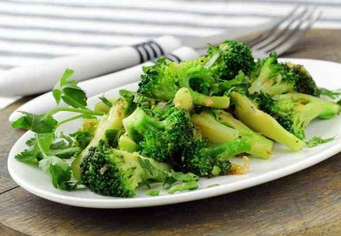 Brokoli dan Sayuran Hijau