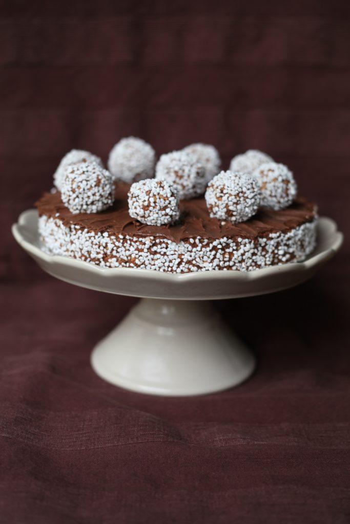 Sjokoladekuler Deluxe, Kake med Nutella på ett stettfat.