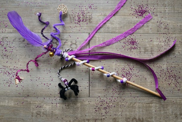 purple Halloween wand kit with ribbons, beads and a spider