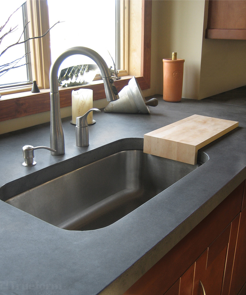 Glamorous undermount sink in Kitchen Contemporary with