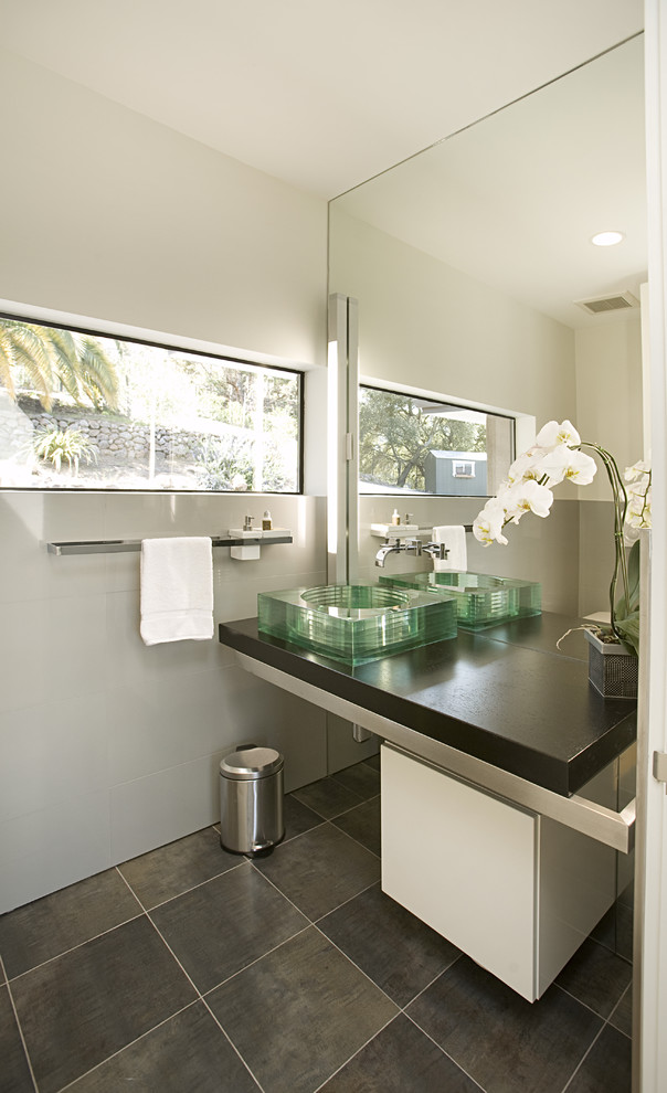 Good Looking wall mounted soap dispenser in Bathroom