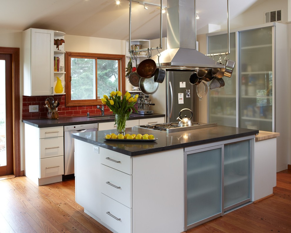 Frosted Glass Kitchen with Metal Island Shiny Bright White