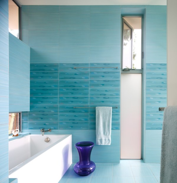 Sparkling Aqua Blue Bathroom