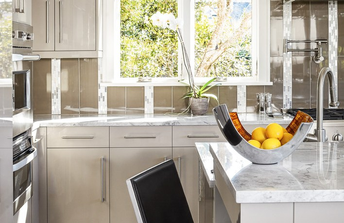 White High Gloss Cabinets Contemporary Kitchen Counter Stools And Pot Filler Contemporary Kitchen Counter Stools Flat Panel Cabinets High Gloss High Finish Cabinetry Island Pot Filler Stainless Steel