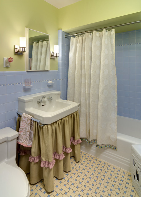 Marvelous Blue And Green Bathroom Traditional Twin Girls' Playroom & Bathroom   Che Bella Interiors With Garden Stool And Blue And Yellow Floor Tile