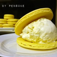 Durian Macarons / Icecream sandwich