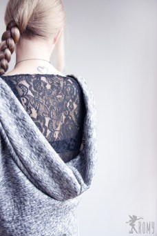 Backless02