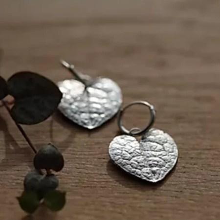 Su France - String of heart earrings