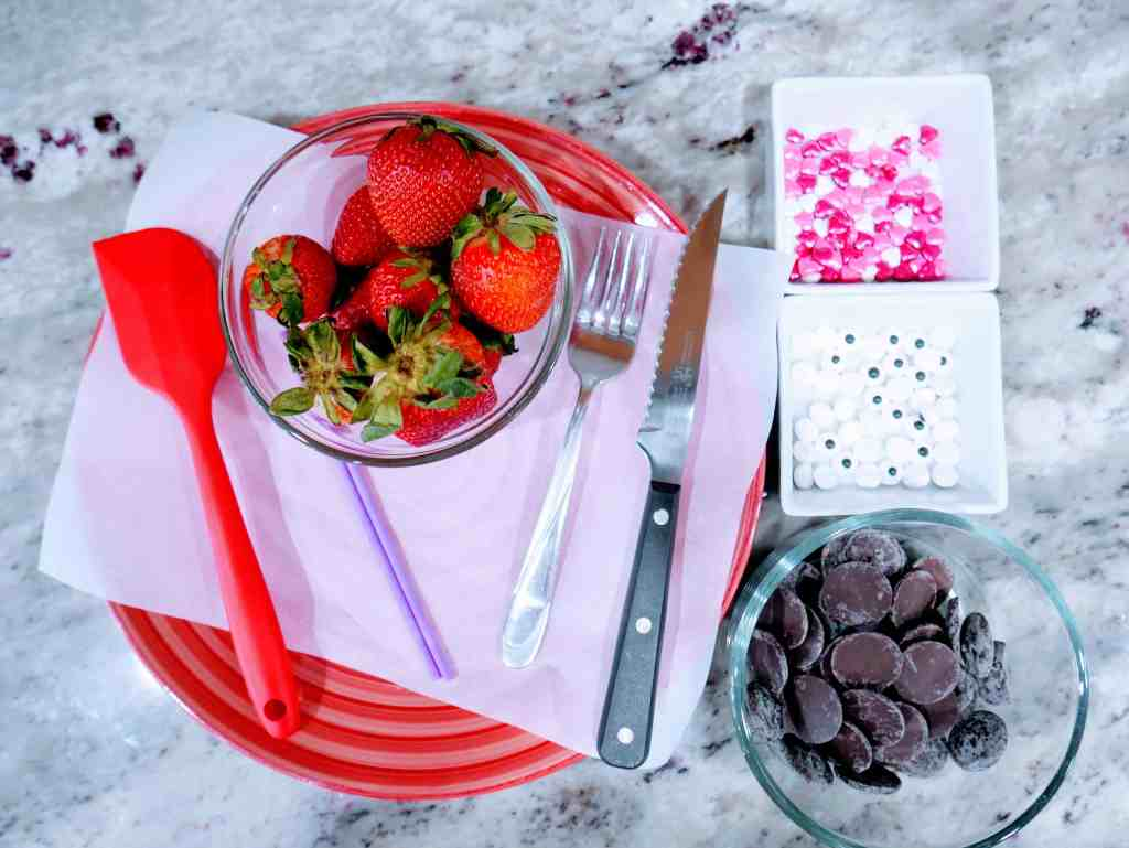 Supplies needed to make Valentine's chocolate-covered lovebirds
