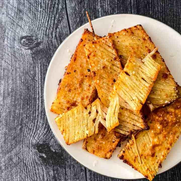 garlic parm crispy accordion potatoes