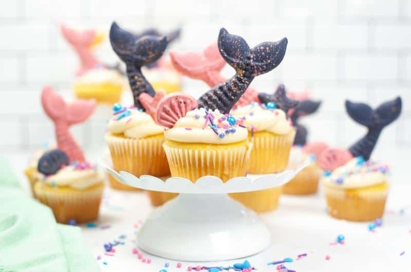 mermaid cupcakes with DIY tails