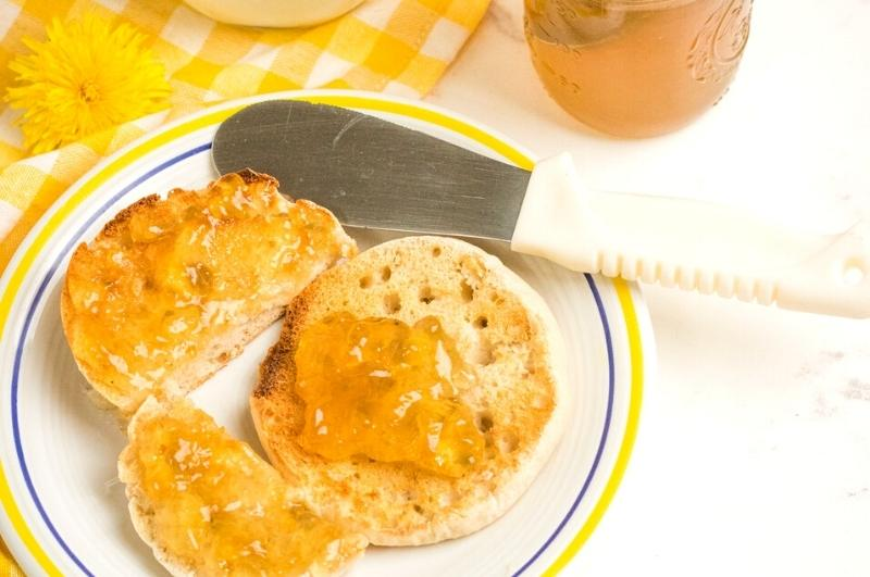an English muffin with jelly