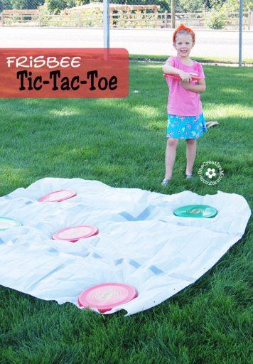 frisbee tic-tac-toe family yard game