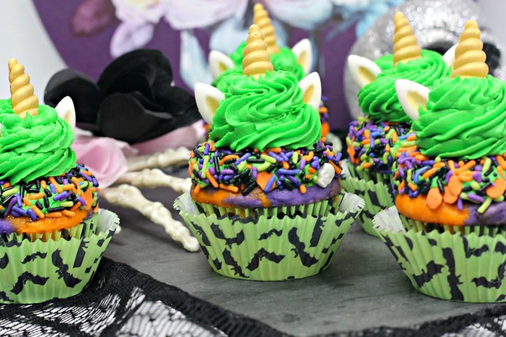 Mini Halloween unicorn cake