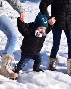 Enfant à la montagne