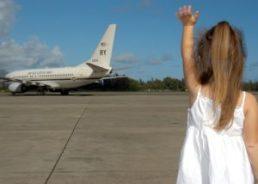 Préparer votre enfant en allant voir les avions décoller