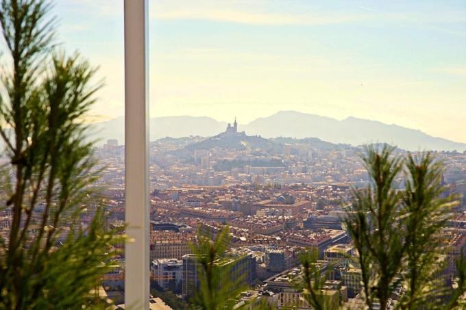 , Un dîner insolite de Saint-Valentin au sommet de la tour La Marseillaise, Made in Marseille, Made in Marseille