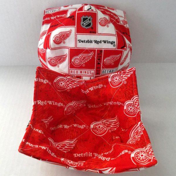 Reversible Detroit Red Wings Microwave Bowl Cozy