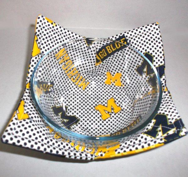 Michigan Microwave Bowl Holder Cozy Hot Pad