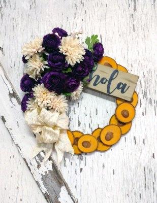 Hola Vintage Purple Wreath 15 inch Oak Slice