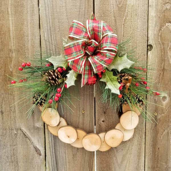 Holiday Wreath 13 Inch Maple Slice
