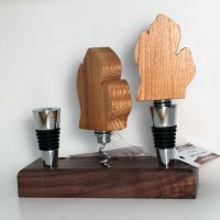 Bottle Stoppers & Cork Screws
