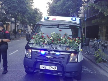 "Hommage rendu aux ""Mossos d'Escuadra"" police catalane"