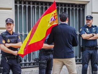Barcelone - Manifestation des pro Espagne contre le référendum catalan-9300143