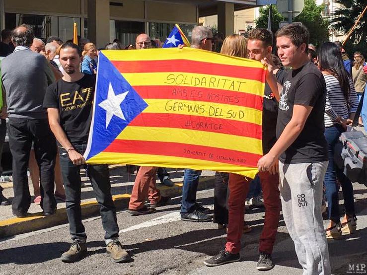 Manifestation devant le Consulat d'Espagne à Perpignan