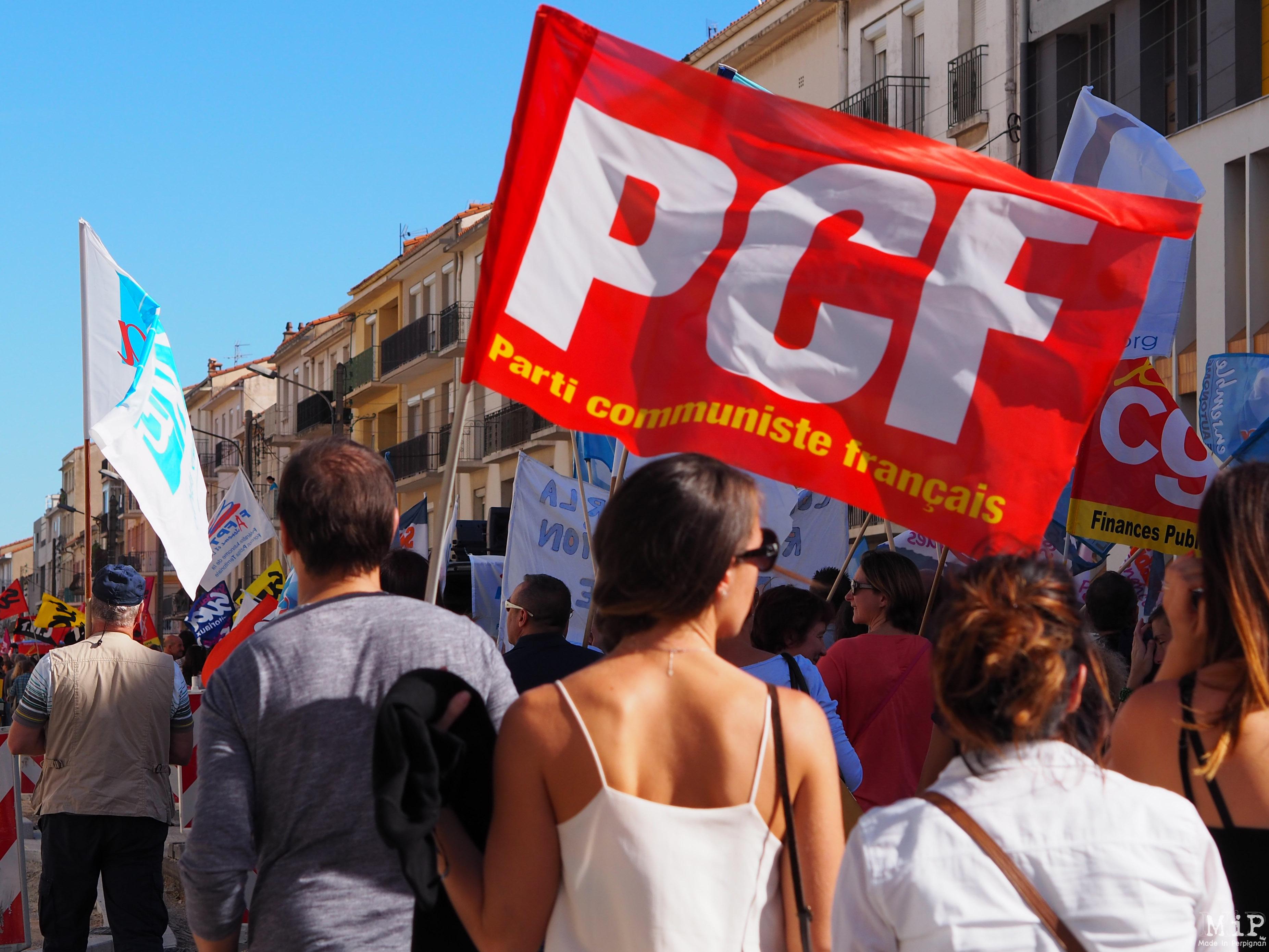 Perpignan - Manifestation pour défendre la fonction publique -100035