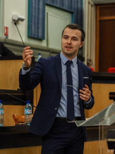 Romain Escande, étudiant en master défendait la thèse du non