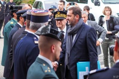 Le Ministre de l'Intérieur saluant les acteurs de la coordination franco-espagnole