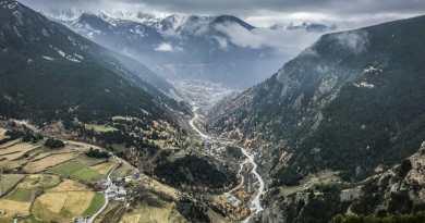 KikiMagtravel nous amène en Andorre découvrir le mythique Roc del Quer et ses via ferratas