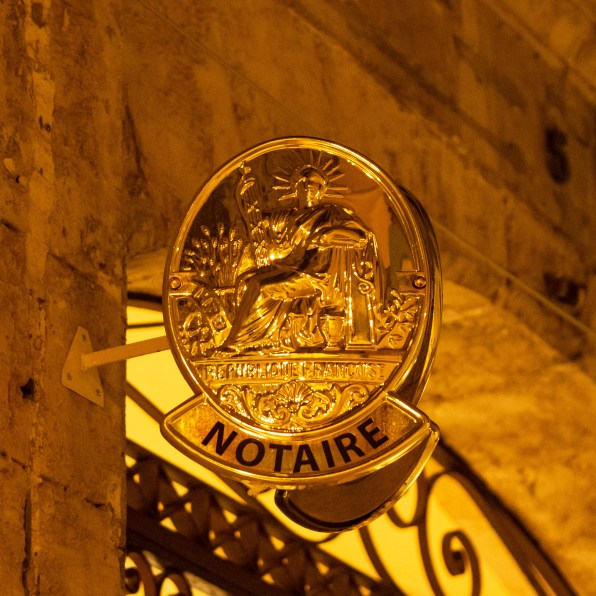 Notaire - office notarial