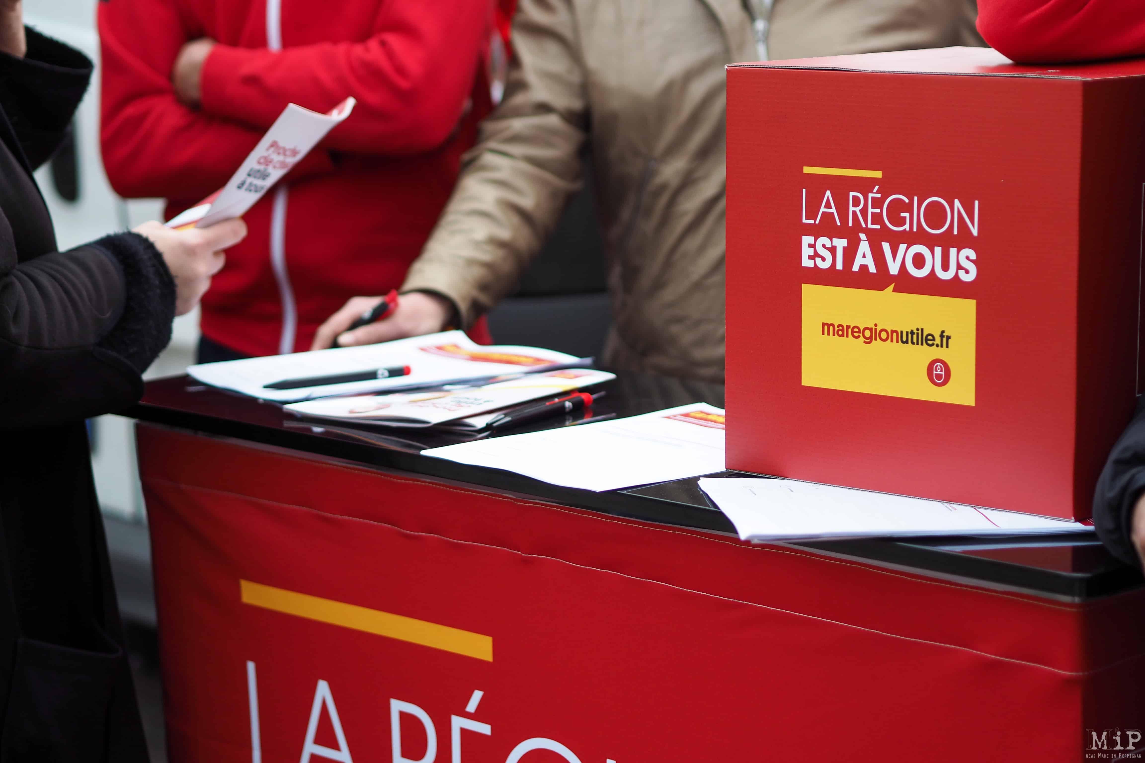 Stand Ma Région Occitanie-Pyrénées-Méditérranée - Place de la République Perpignan