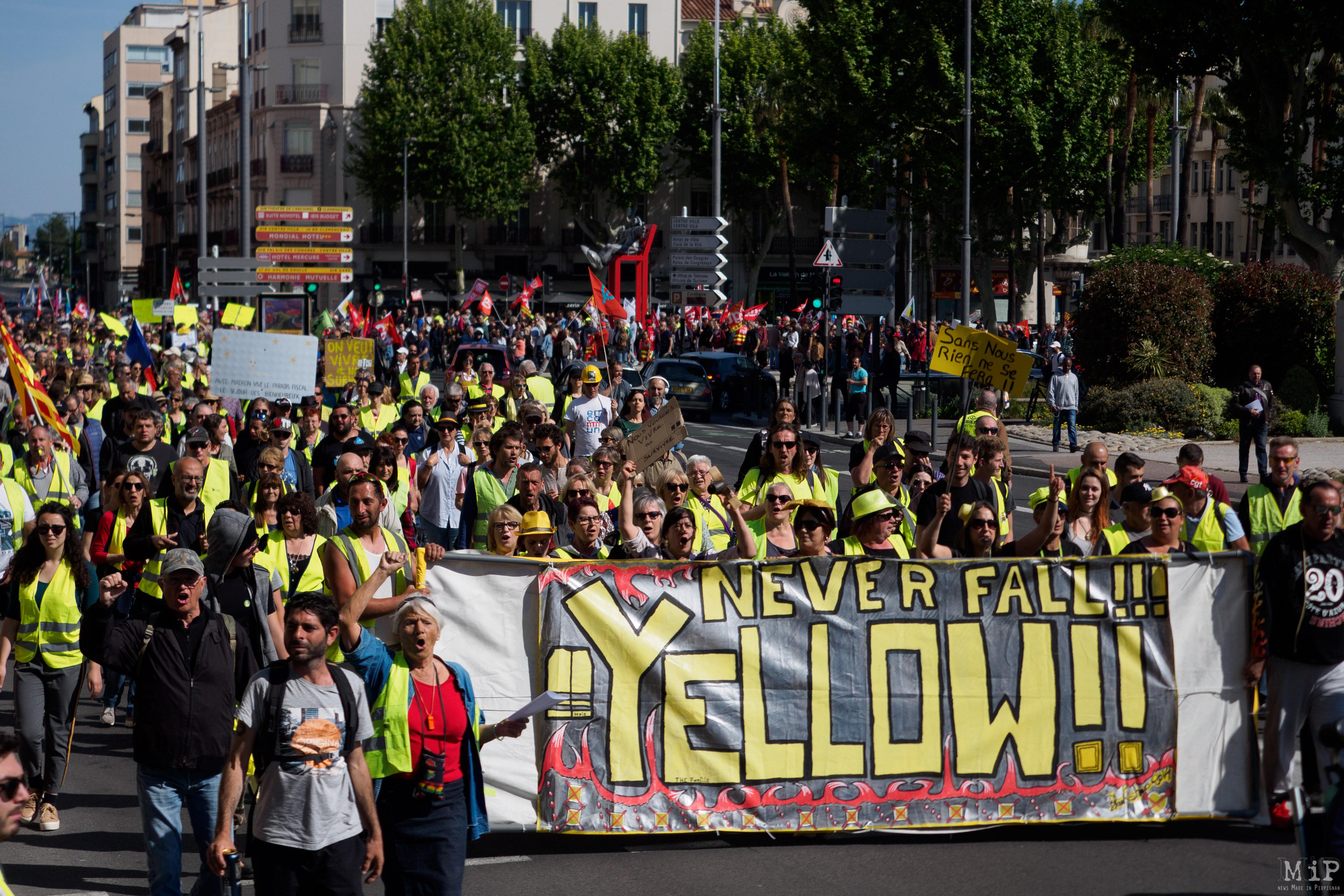 Défilé 1er Mai 2019 Perpignan Gilets Jaunes Syndicats
