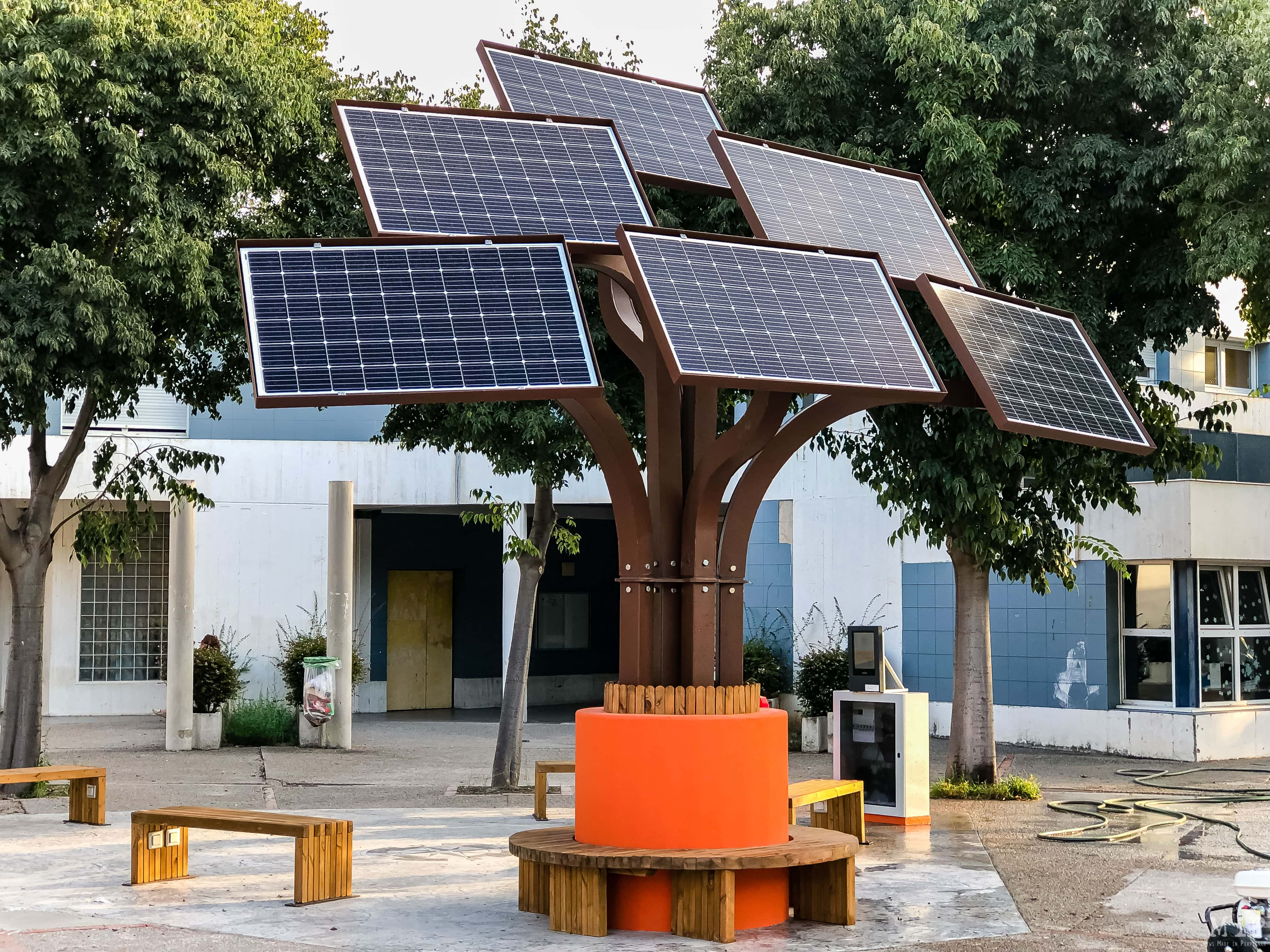 Elio's arbre solaire UPVD photovoltaïque