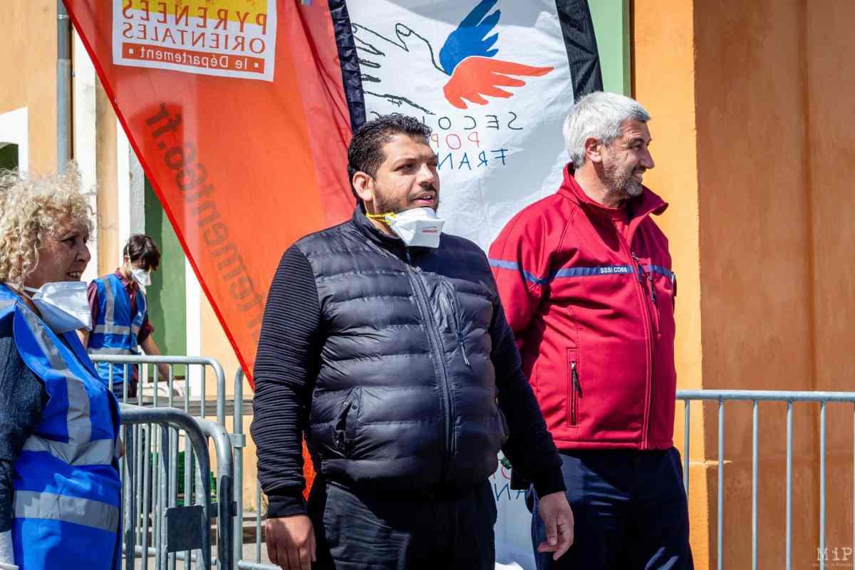 Gino Cargol lors de la première distribution alimentaire du secours populaire durant le confinement