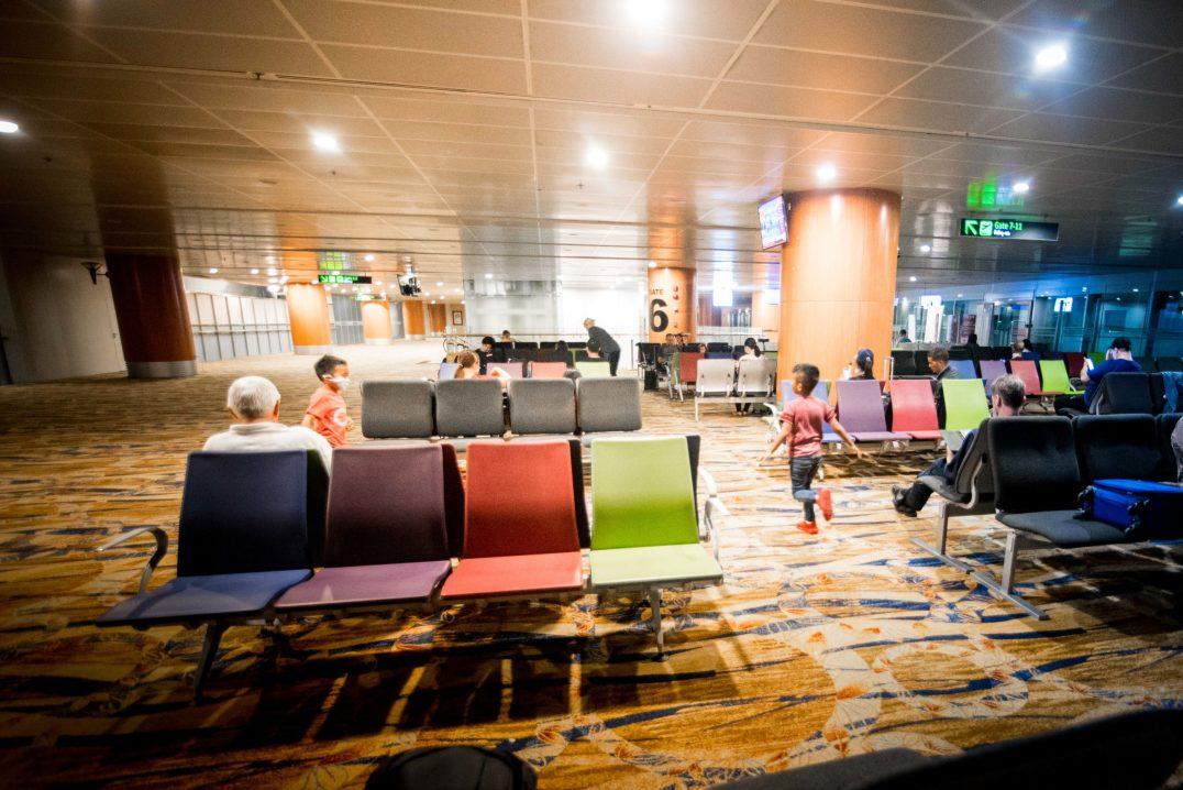 Repatriation - Empty Yangon airport Rapatriement - Aeroport de Rangoon vide.