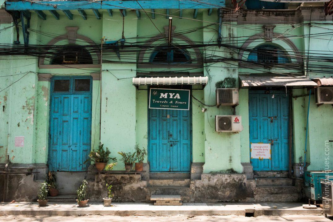 Les agences de voyage, comme la plupart des commerces dépendant des touristes et des expatriés, sont parmi les plus touchés par l'épidémie. © Ludivine Paques