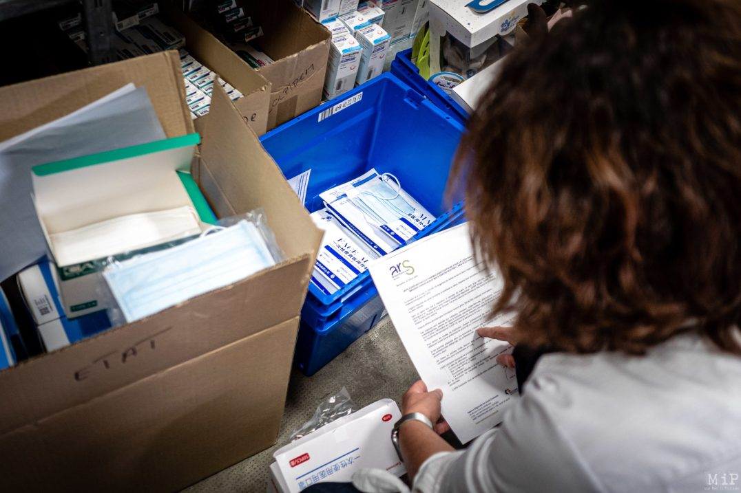 03/05/2020, Perpignan, France, Illustration Pharmacie polémique soignants masques chirurgicaux en GMS © Arnaud Le Vu / MiP / APM
