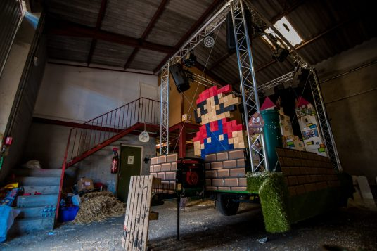Le char du carnaval a l'effigie de Mario ne sera pas de sortie cet été à cause de la crise sanitaire, à Argelès-sur-Mer.