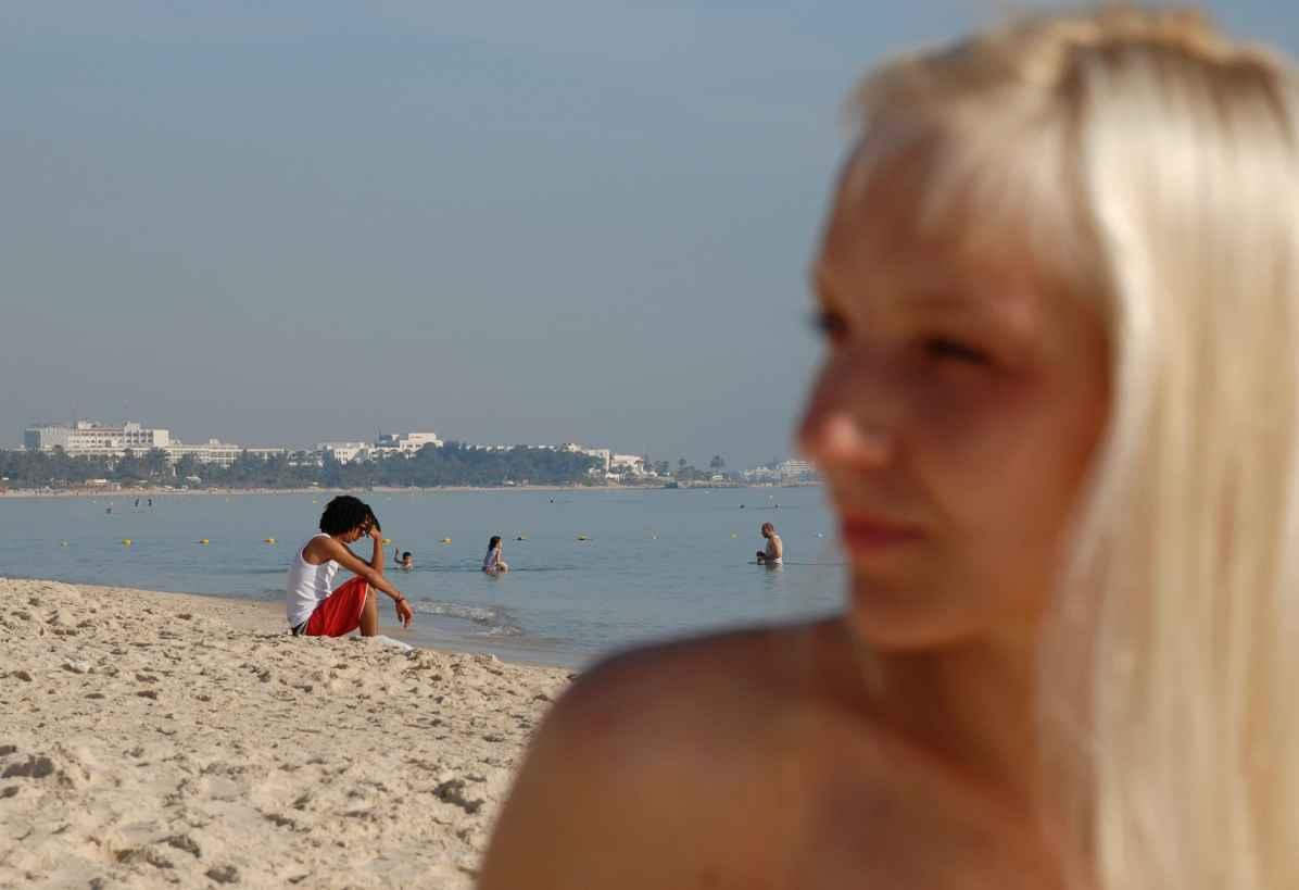 Sainte-Marie-La-Mer illustration seins nus topless