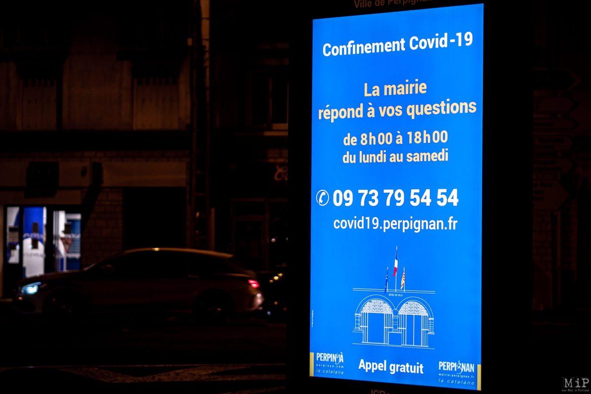 30/10/2020, Perpignan, France, Panneau information Covid-19 Coronarivus © Arnaud Le Vu / MiP