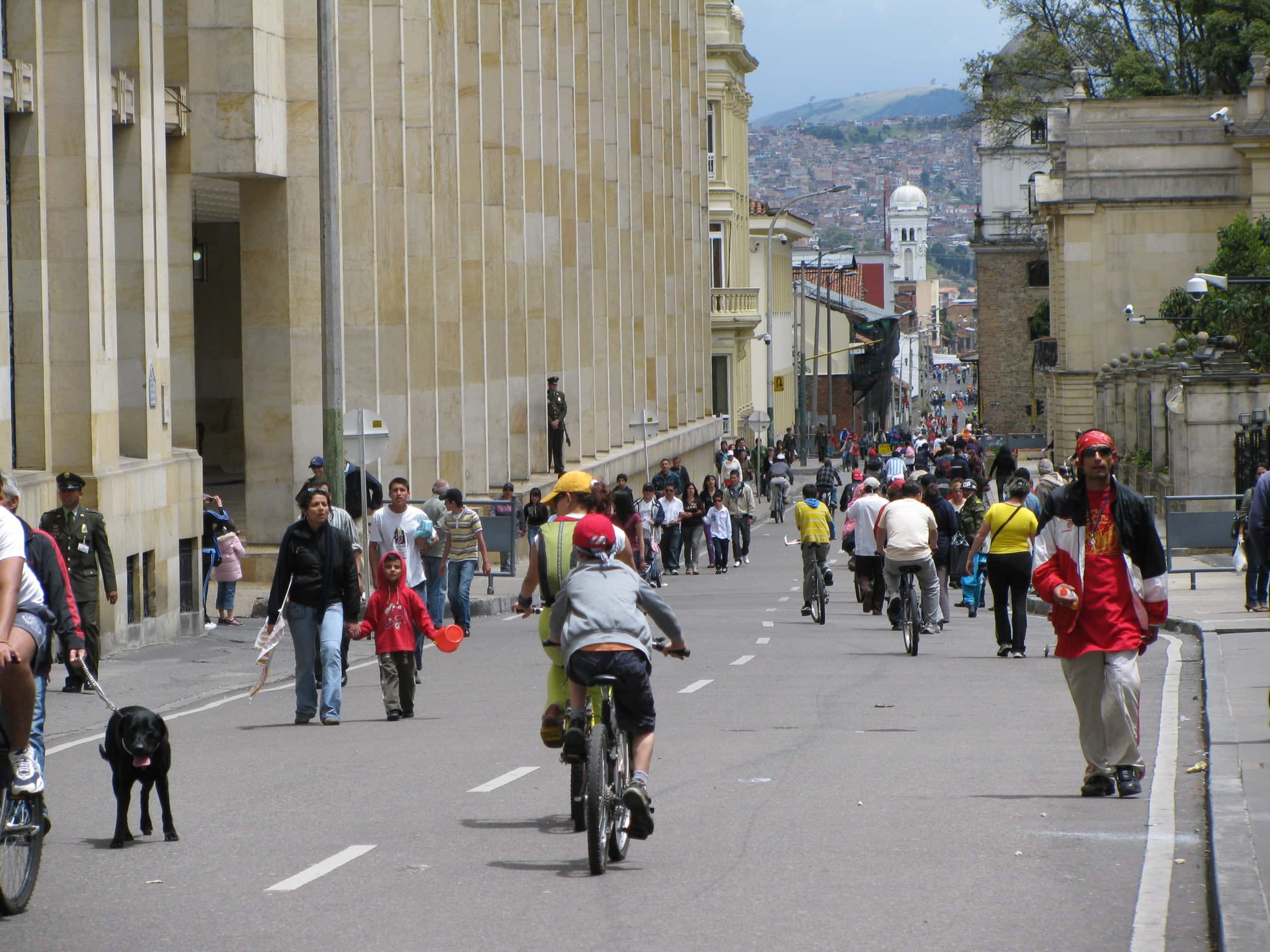 Ciclovia em Bogotá © nati_fg / Wikipédia