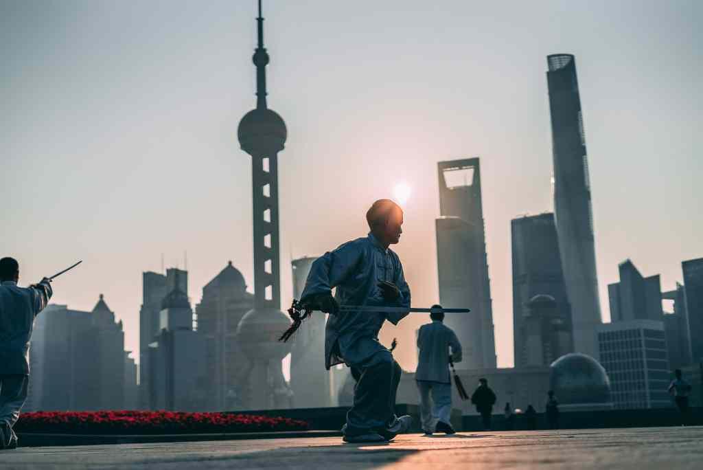 Pudong Skyline, Shanghai Shi, China © Jake Cunningham